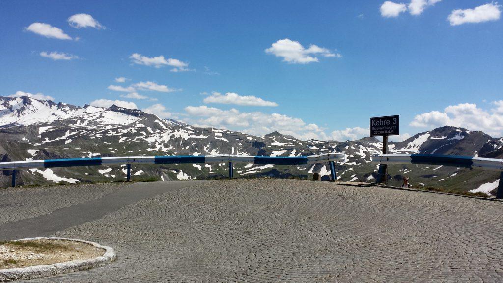 Straße zur Edelweißspitze