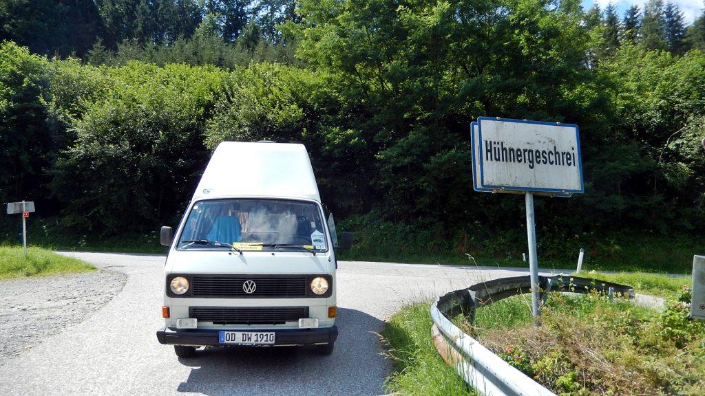 Bulli in Hühnergeschrei, Oberösterreich