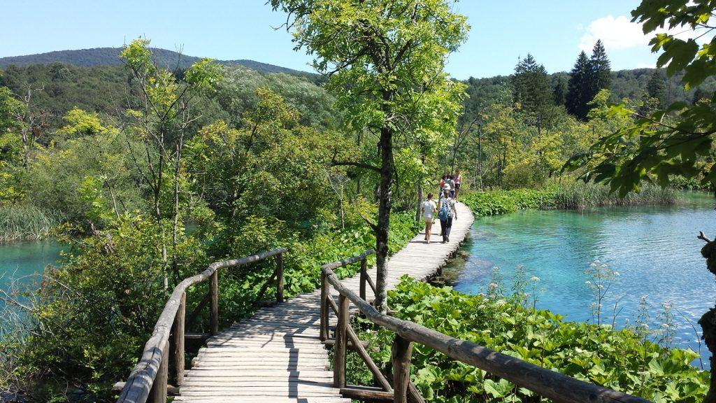 Holzweg Steg Plitvicer Seen