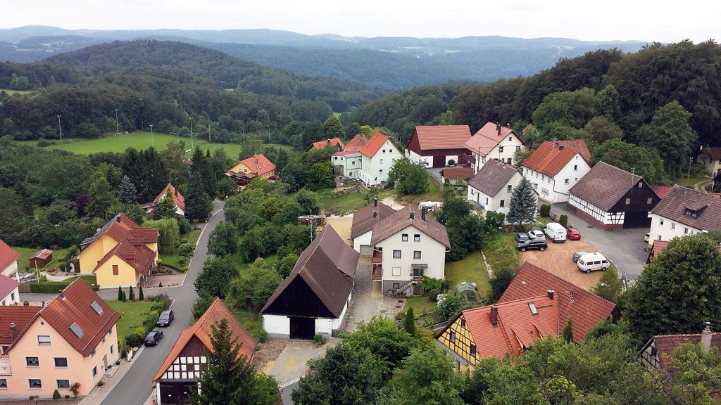 Blick vom Wichsenstein. Mit Bulli Didimobil. :)