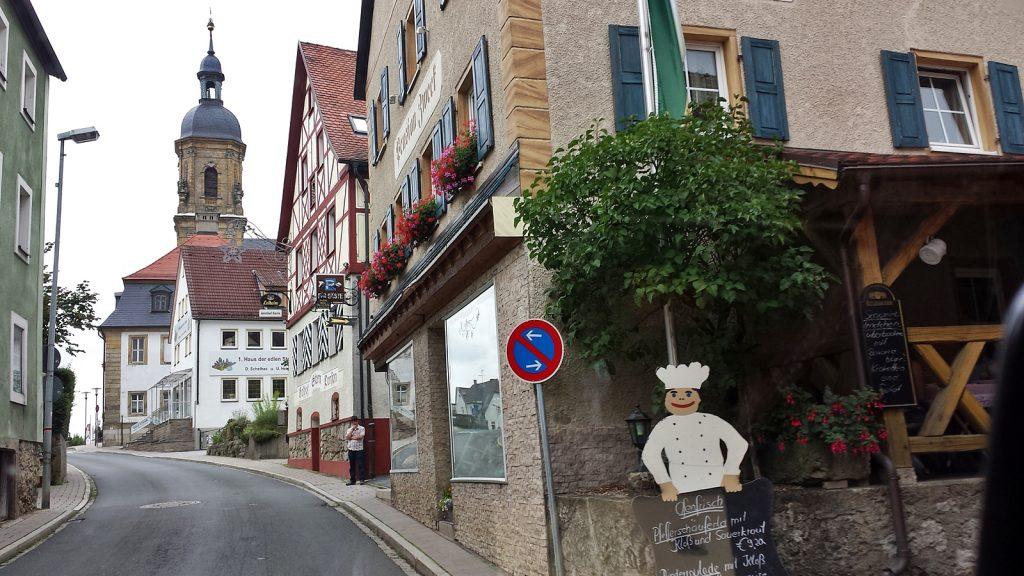 Ortsdurchfahrt in der Fränkischen Schweiz