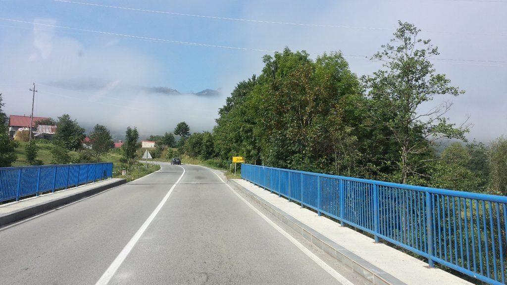 Albanische Alpen Wolken Montenegro Roadtrip