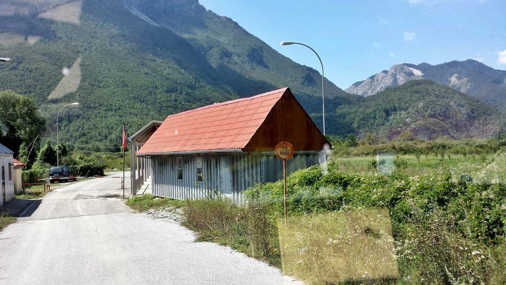 Albanische Grenze Montenegro Albanien bei Gusinje Vermosh