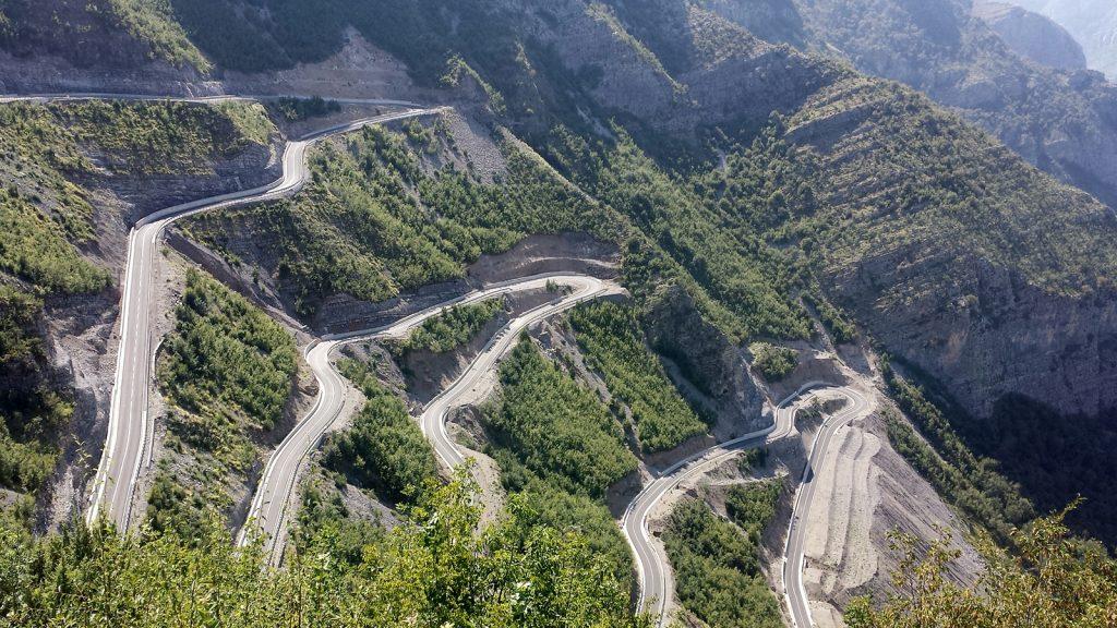 Leqet e Hotit Pass zwischen Kelmend und Skutarisee Albanien Roadtrip