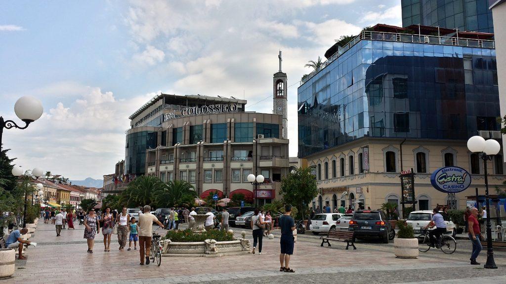 Fußgängerzone Rruga Kol Idromeno Shkoder Shkodra Albanien