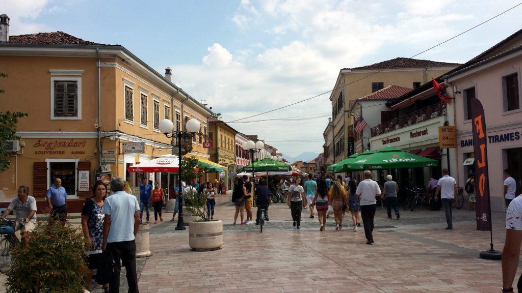 Fußgängerzone Shkoder Shkodra Albanien