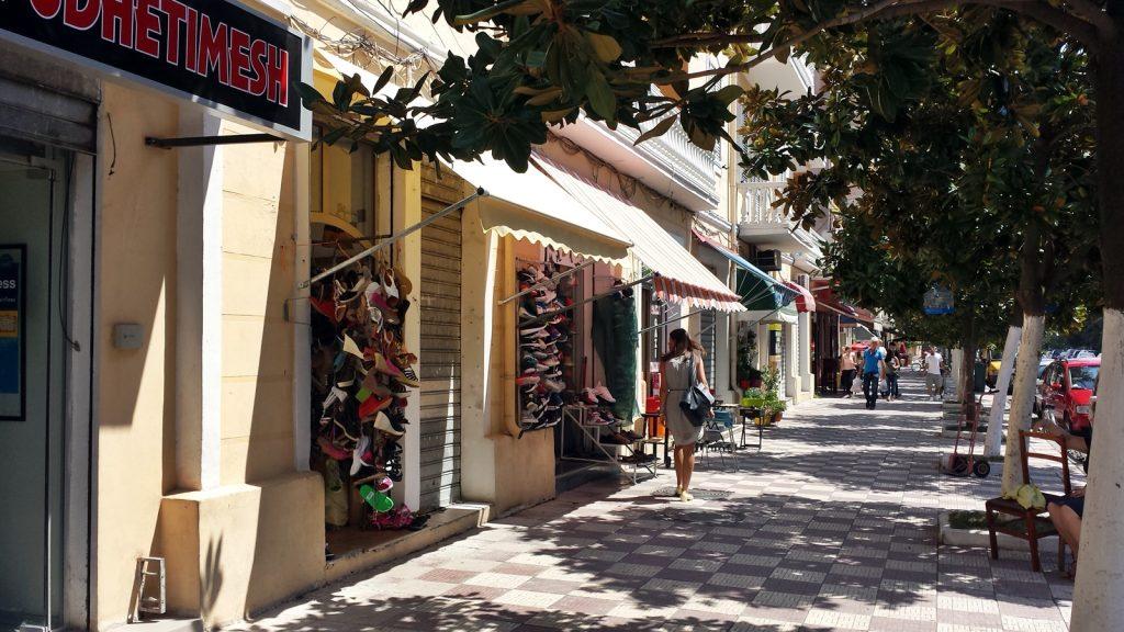 Allee Läden Shops Shkoder Albanien