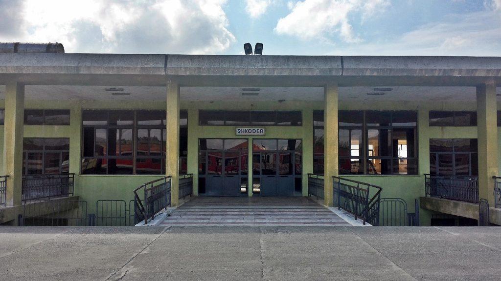 Empfangsgebäude Bahnhof Shkodra Albanien HSH
