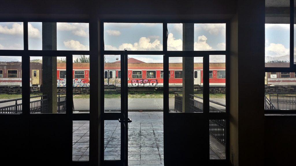 Deutsche Bahn am Bahnhof von Shkoder, Albanien