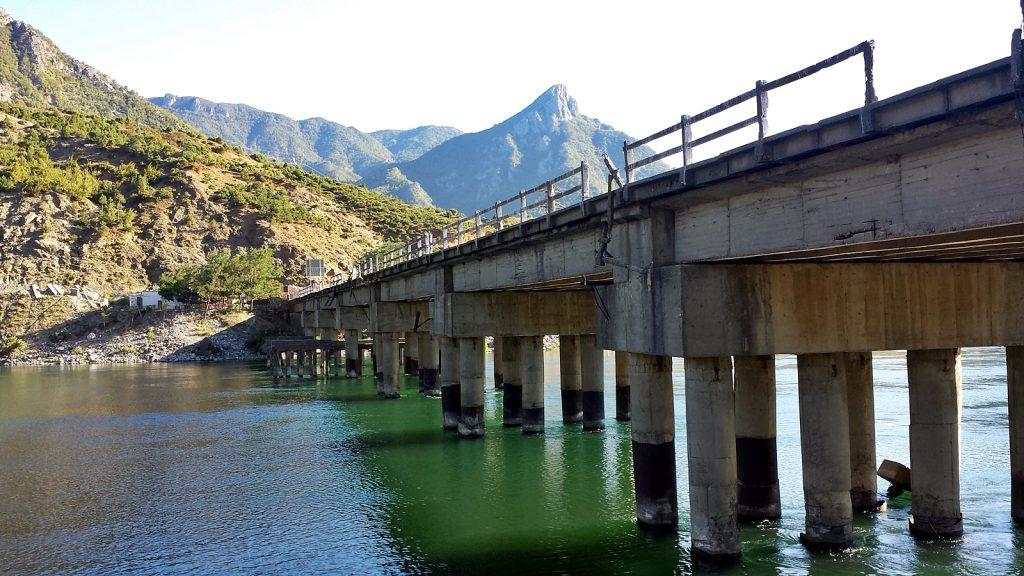 Brücke am Camping Natura, Koman, Albanien