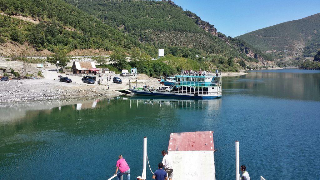 Fähranleger in Fierzë, Koman-See, Albanien