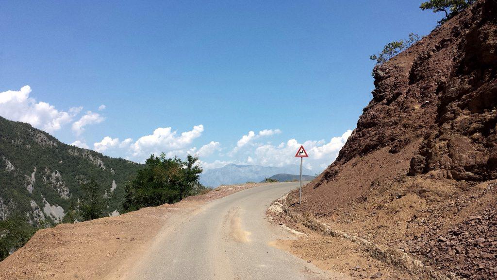 Landstraße in Albanien