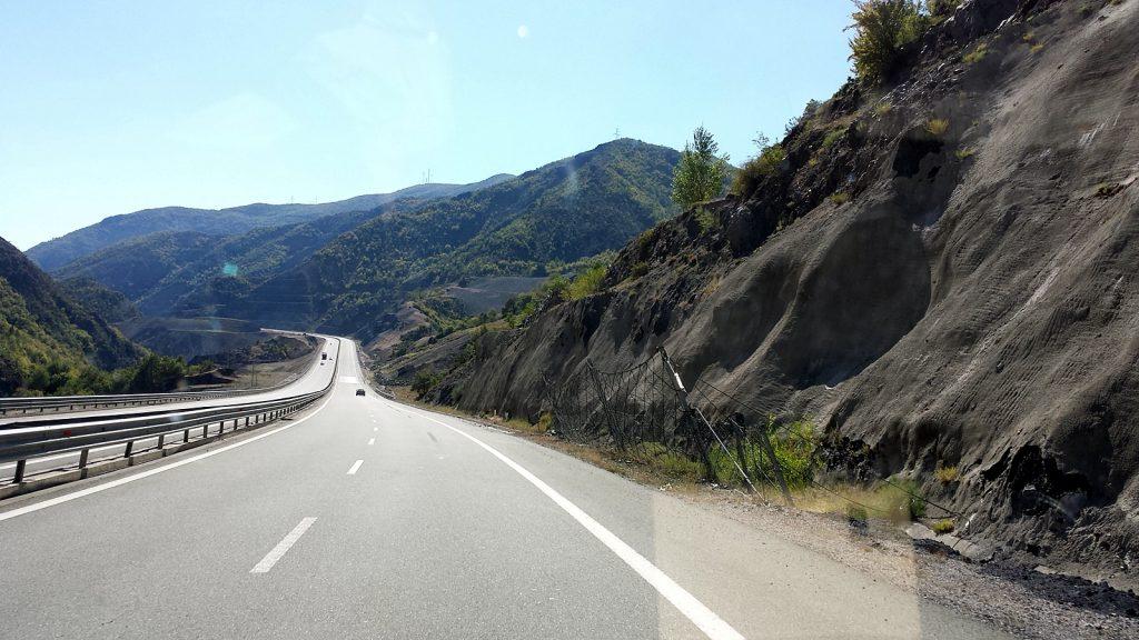 Autobahn Kosovo - Kukës - Tirana, Albanien-Roadtrip Sommer 2016