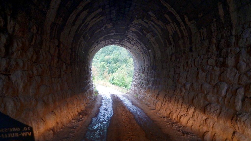 Alter Eisenbahntunnel Prace Canyon Bosnische Ostbahn