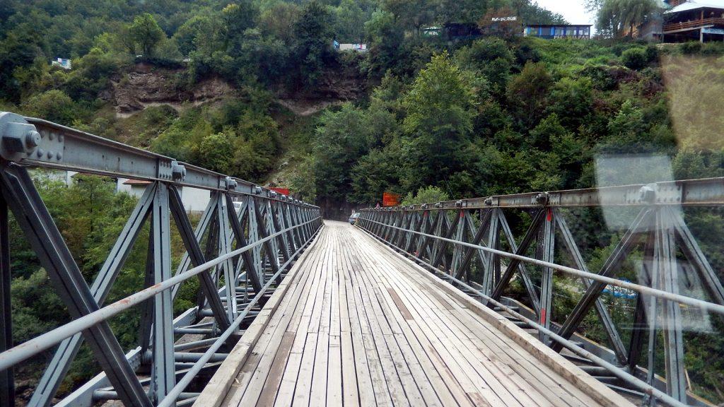 Grenzbrücke Bosnien Herzegowina Montenegro über die Drina
