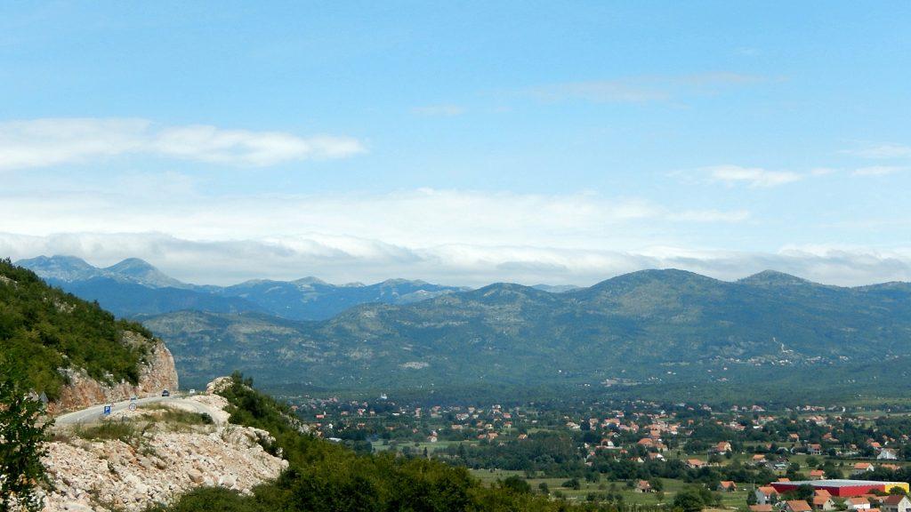 Blick ins Binnenland von Montenegro