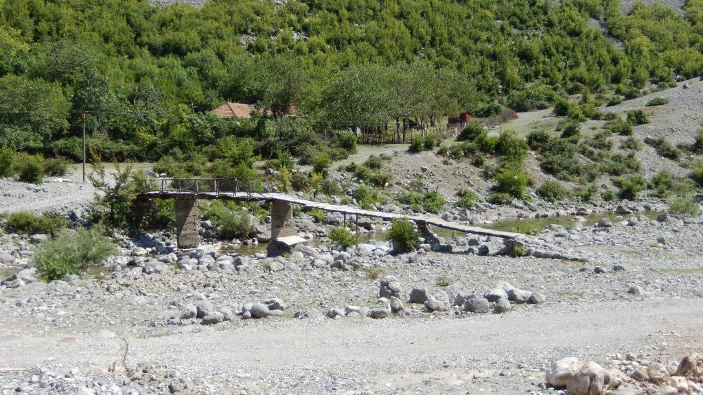 Baufällige Brücke Kelmend Albanien