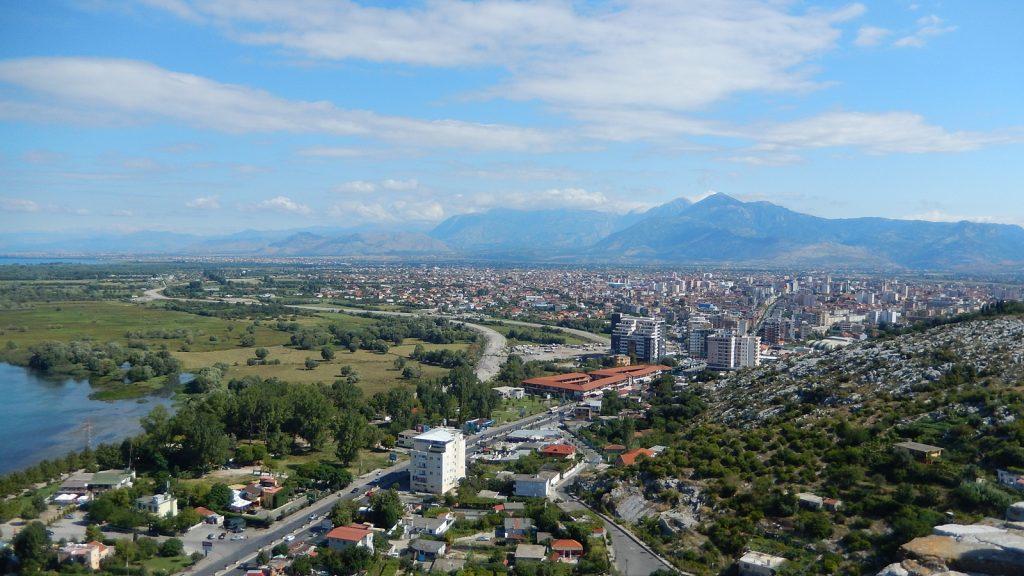 Blick auf Shkodra von der Rozafa Burg
