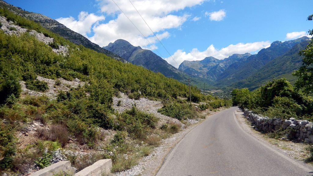 Straße nach Theth bei Boge, Albanien