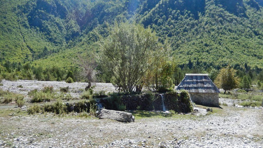 Wassermühle in Nderlysaj, Theth, Albanien