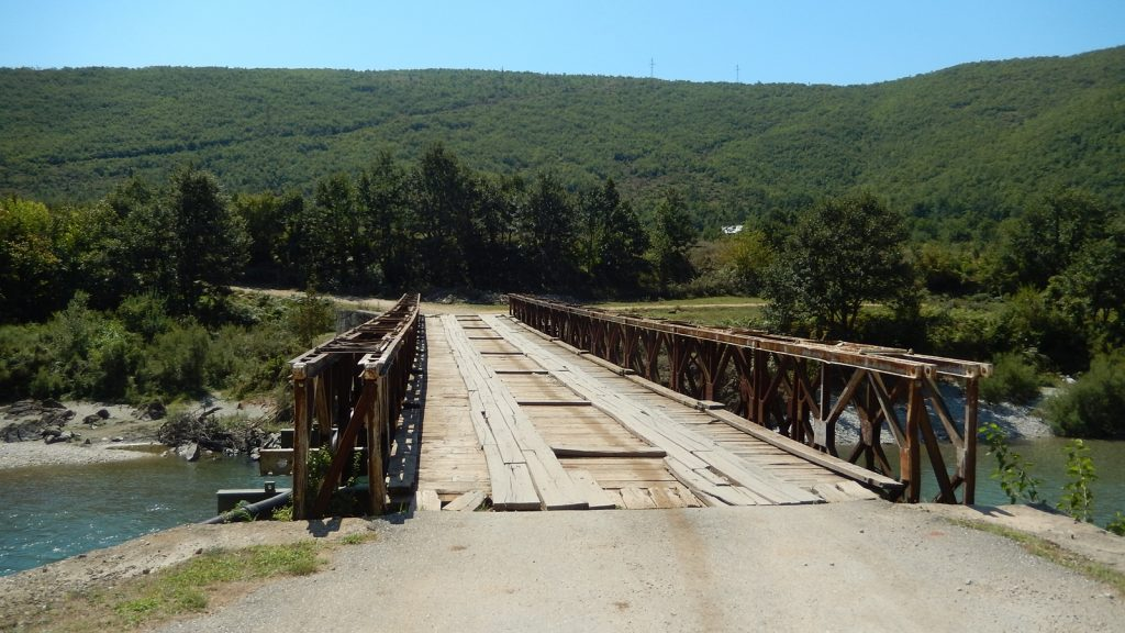 Straßenbrücke Albanien, 2016 Roadtrip Bulli