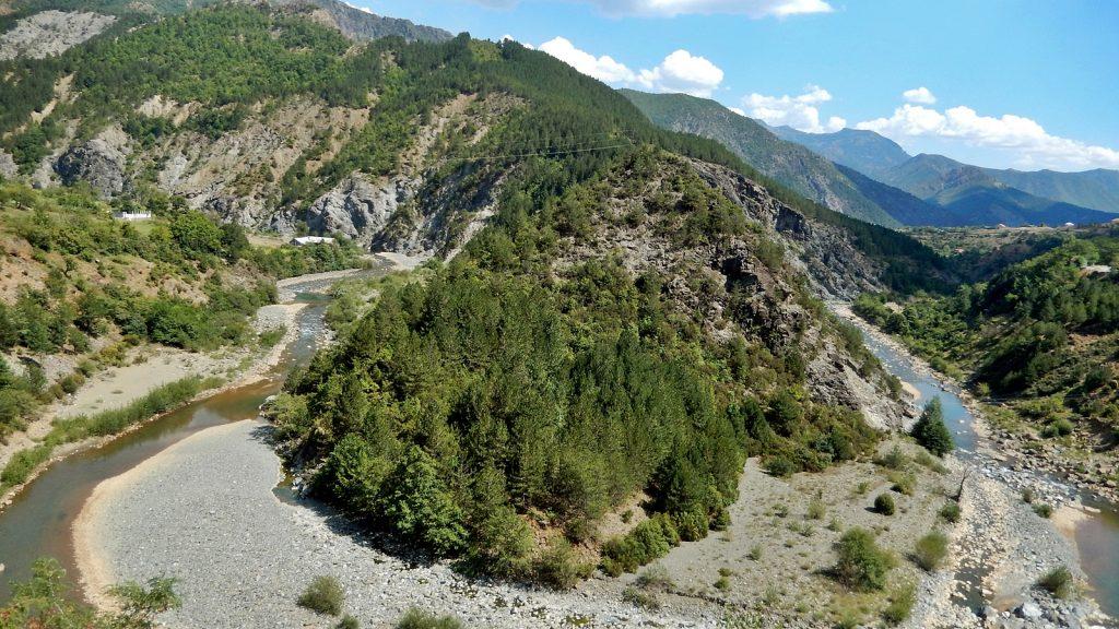 Fani i Madh-Fluss, Albanien