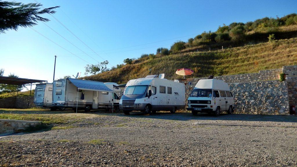 VW Bus Bulli am Camping Tirana, Albanien 2016