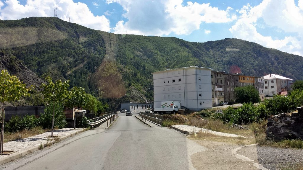 Roadtrip mit dem Bulli, Fushë-Arrëz, Albanien