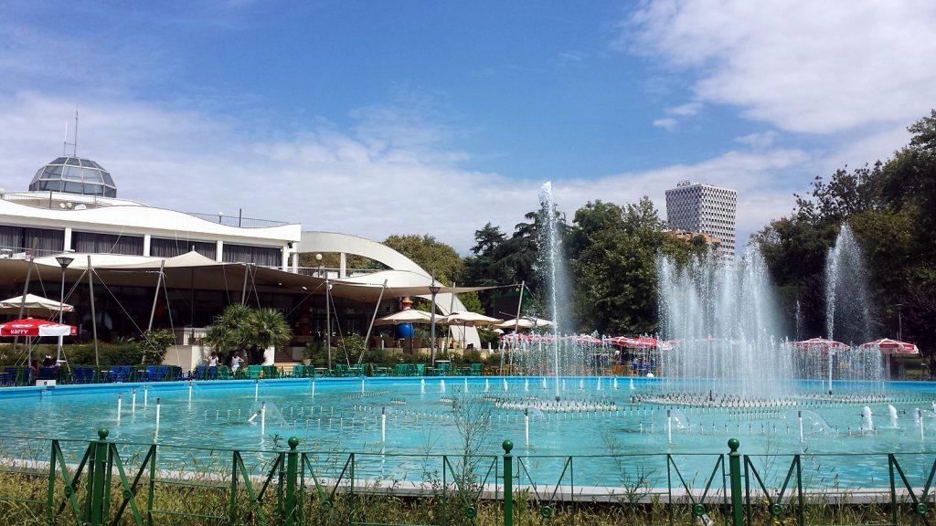 Rinia-Park, Tirana