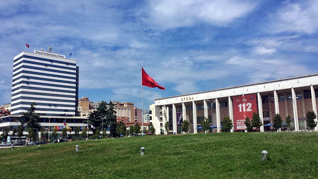 Skanderbeg-Platz mit der Oper, Tirana, Albanien