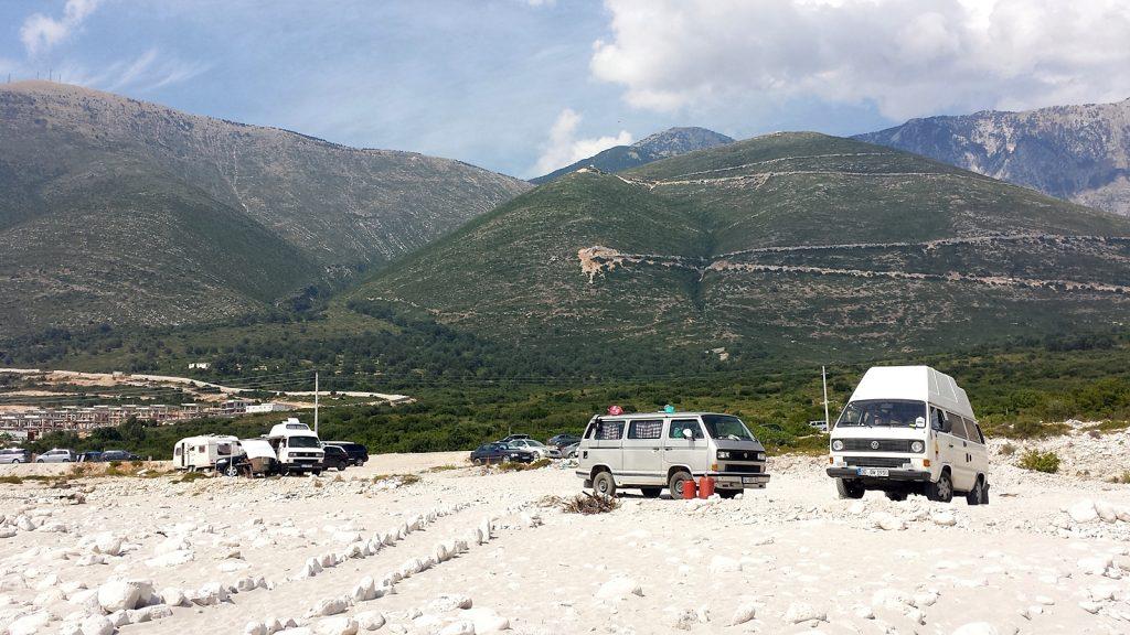 T3 Bullis am Strand, Albanien