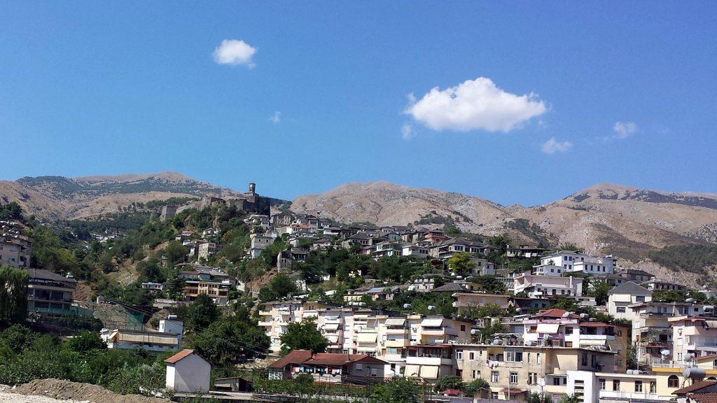 Gjirokastër mit der alles überthronenden Burganlage