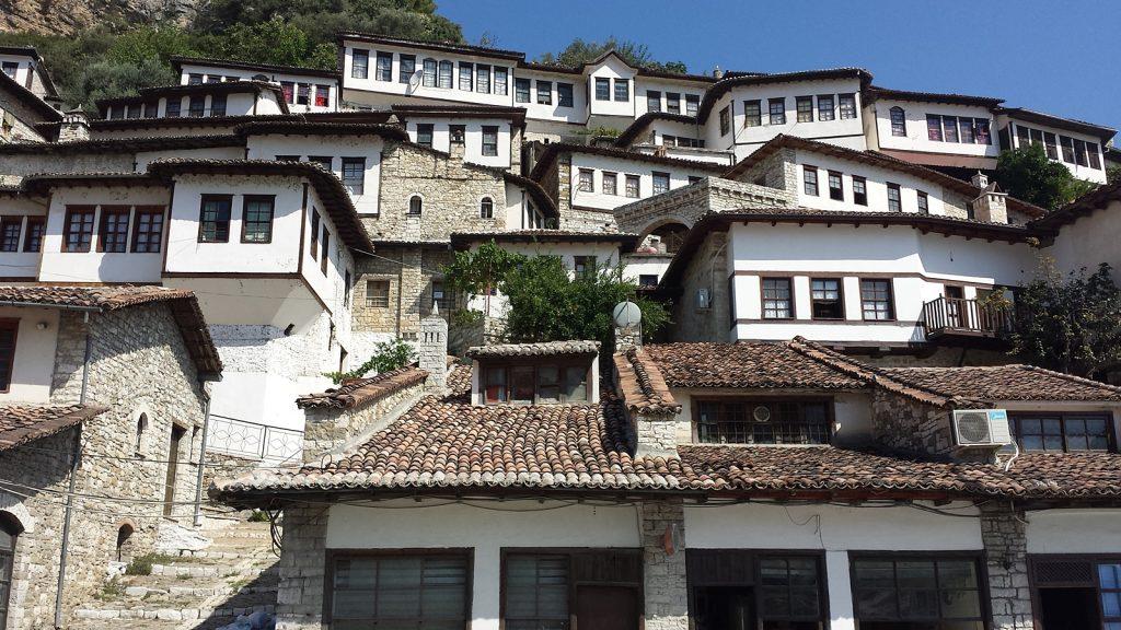 1000 Fenster in Berat, UNESCO-Weltkulturerbe, Albanien