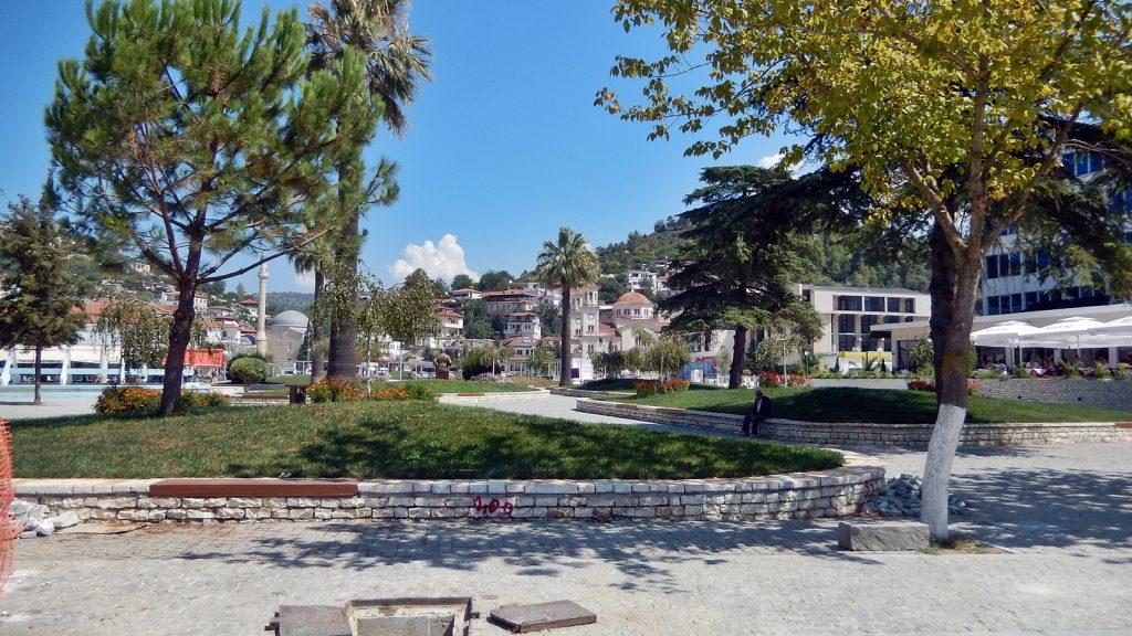 Viele Parks in Berat