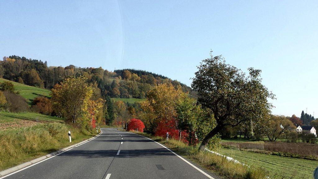 Herbst an der Bundesstraße B454