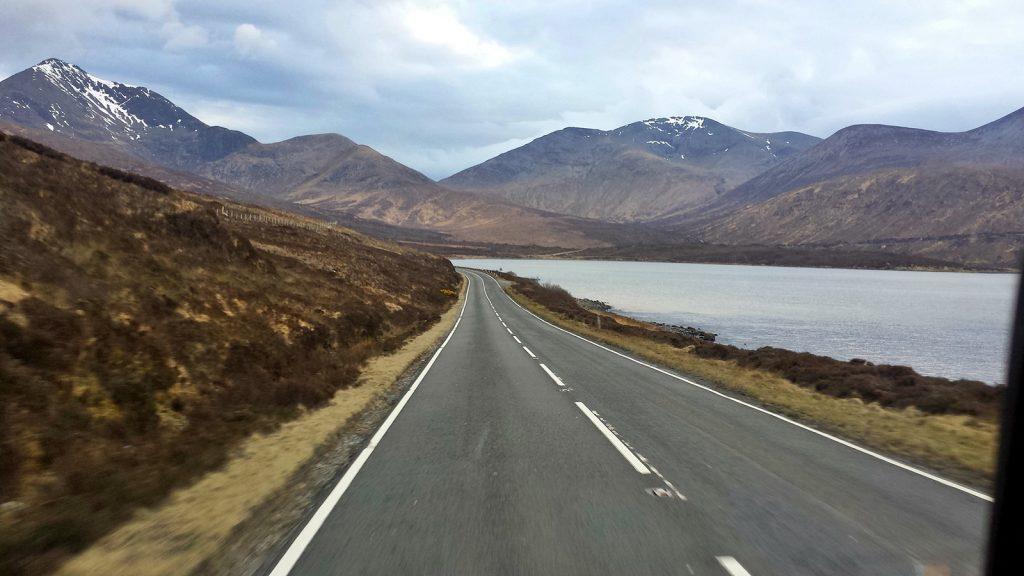 Küstenstraße am Loch Ainort