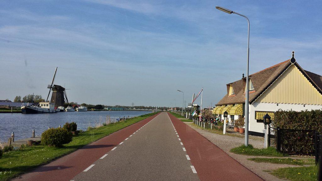 Windmühle, aber keine Tulpen: Holland