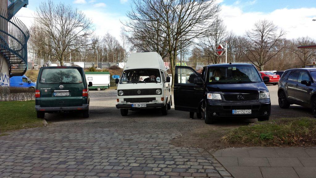 """Die drei """"Schottland-Fahrer"""" beim Start in Hamburg"""