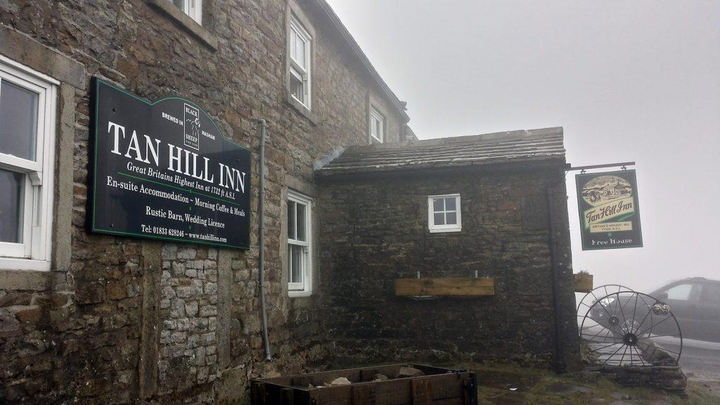 528m.ü.NN: Tan Hill, Großbritanniens höchstgelegener Pub