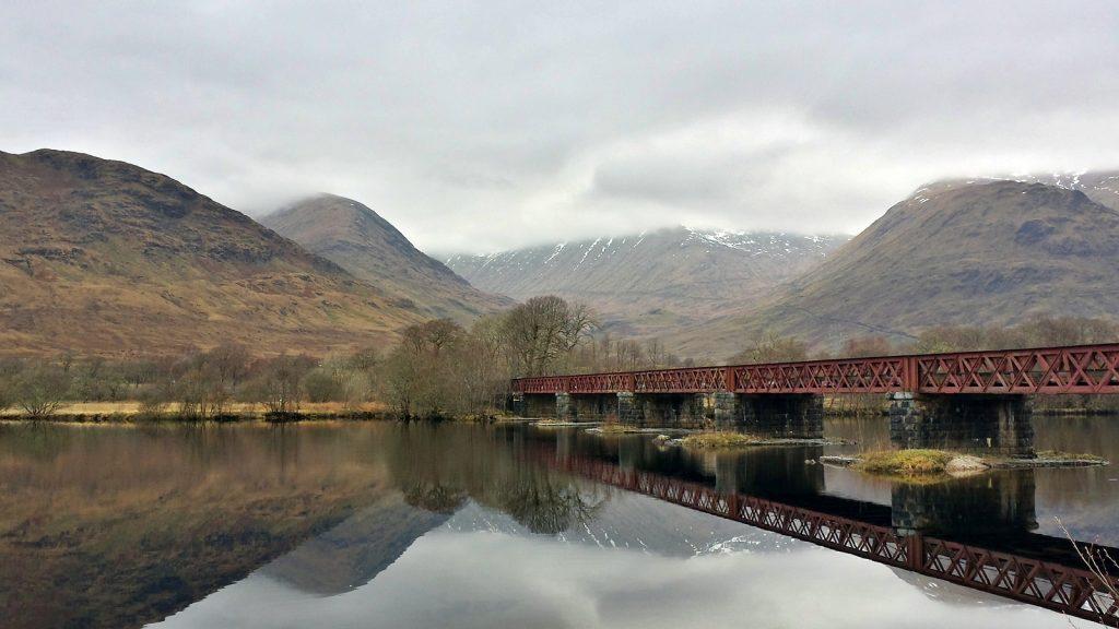 Eisenbahnbrücke über Loch Awe
