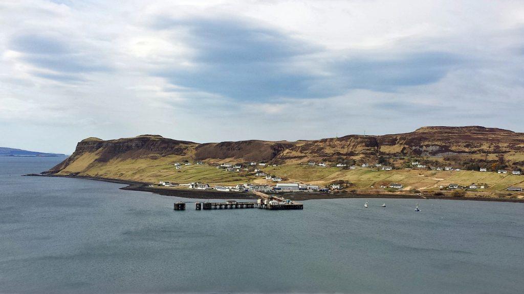 Der Hafen von Uig