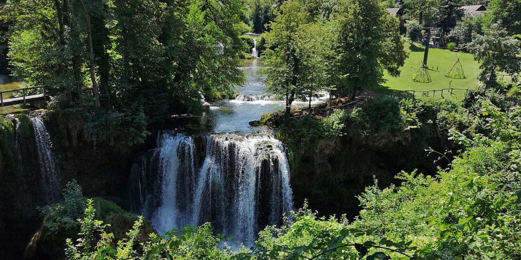 Wasserfall am Zusammenfluss von Slunjčica und Korana in Rastoke