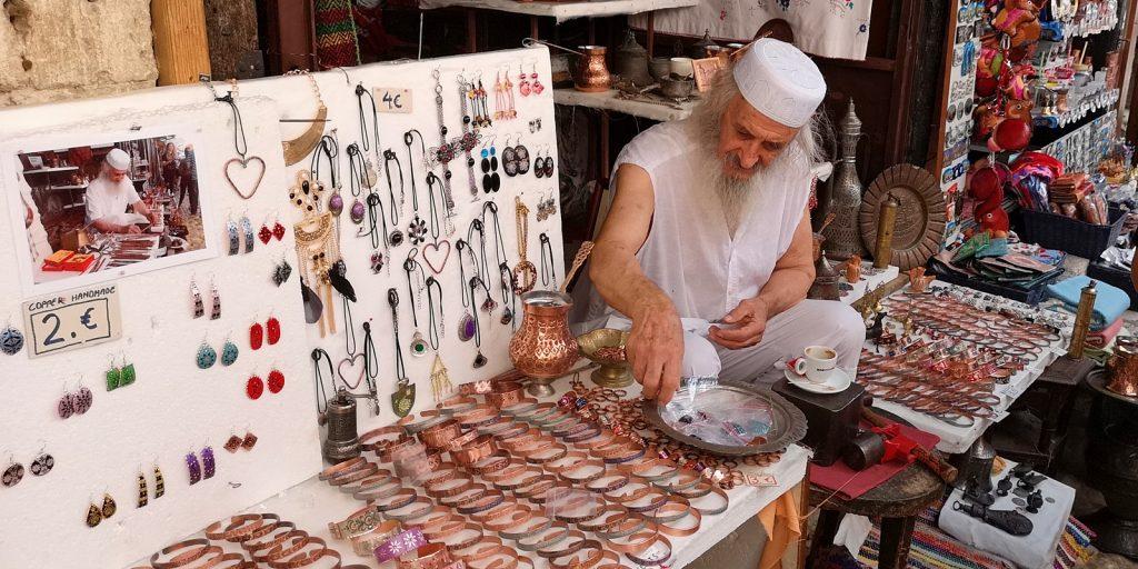 Einer von vielen kleinen Händlern in Mostar