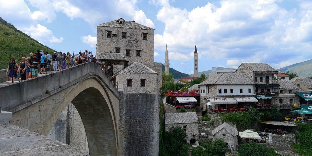 Stari Most, Blick auf den kroatischen Westteil Mostars