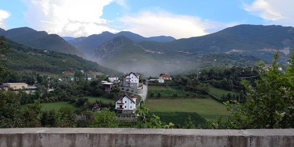 Nebel bei Fshat, Albanien