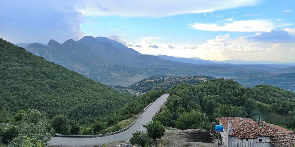 SH6 bei Fshat, Albanien
