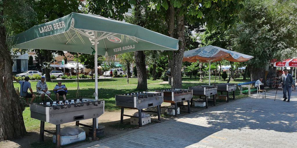 Tischkicker an der Promenade von Pogradeç