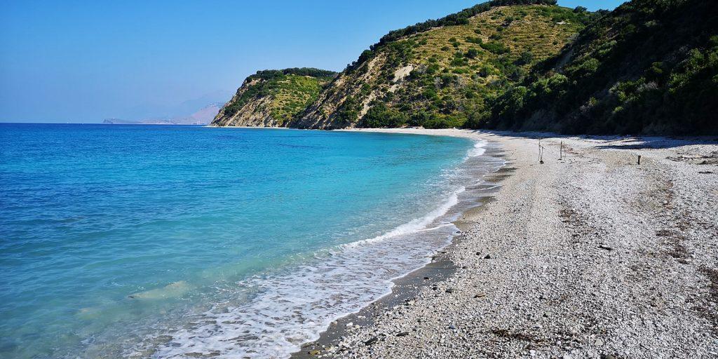 Malerische Bucht bei Lukova
