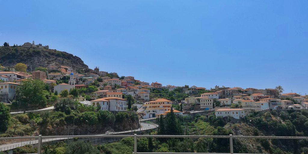 Blick auf den alten Ortskern von Dhërmi