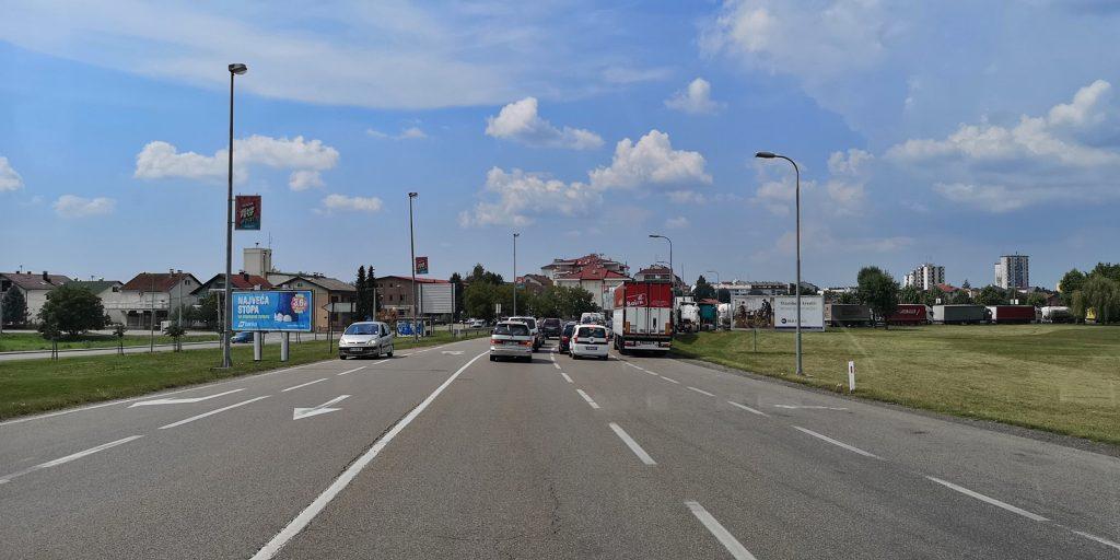 Stau an der Grenze in Gradiška
